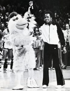 1981_sugar-ray-and-the-san-diego-chicken