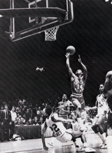 1983_muggsy-bogues-floater