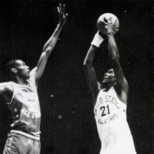 1985_tom-hammonds-shot-over-the-defense