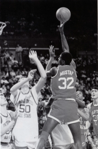 1988_jerrod-mustaf-with-the-shot-over-the-defense